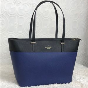 kate spade Bags - 🌸FLASH⬇️🌸Kate Spade All Leather Two Tone ZipTote